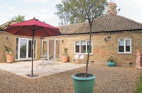Snaptrip - Last minute cottages - Superb King's Lynn Lodge S17496 -