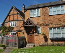 Snaptrip - Last minute cottages - Luxury Tring Cottage S50080 -