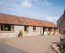 Snaptrip - Last minute cottages - Excellent Wells Barn S8833 -