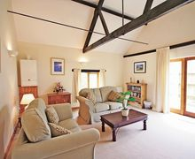 Snaptrip - Holiday cottages - Cosy Melton Constable Cottage S17505 -