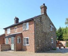 Snaptrip - Last minute cottages - Wonderful Melton Constable Cottage S17529 -