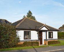 Snaptrip - Last minute cottages - Captivating Melton Constable Cottage S17530 -