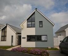 Snaptrip - Last minute cottages - Superb Westward Ho! House S70730 -