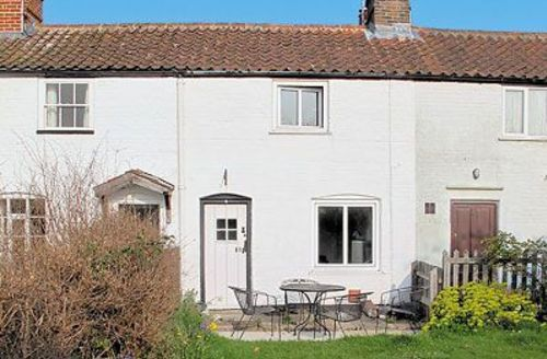 Snaptrip - Last minute cottages - Lovely North Walsham Cottage S17536 -