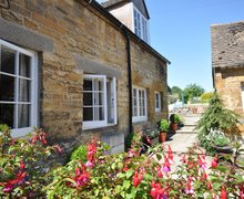 Snaptrip - Last minute cottages - Cosy Moreton In Marsh Cottage S70651 -