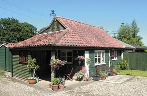 Snaptrip - Last minute cottages - Luxury North Walsham Cottage S17543 -