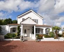 Snaptrip - Last minute cottages - Gorgeous Southampton House S72075 -