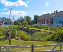 Snaptrip - Last minute cottages - Tasteful Camber House S72509 -