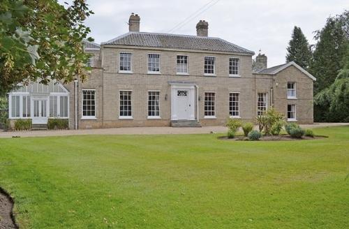 Snaptrip - Last minute cottages - Splendid Norwich Lodge S17589 -