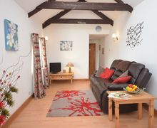 Snaptrip - Last minute cottages - Quaint Redruth Barn S8228 -