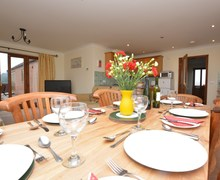 Snaptrip - Last minute cottages - Stunning Alford Cottage S74657 -