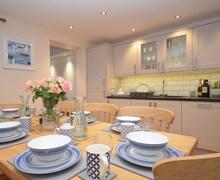 Snaptrip - Last minute cottages - Quaint Penryn House S77249 -