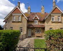 Snaptrip - Last minute cottages - Superb Chipping Norton Cottage S77335 -