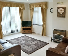 Snaptrip - Holiday cottages - Charming Sheringham Cottage S17619 -