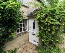 Snaptrip - Last minute cottages - Beautiful Cheltenham Cottage S77354 -