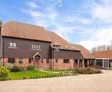 Snaptrip - Last minute cottages - Gorgeous Faversham Barn S78731 -