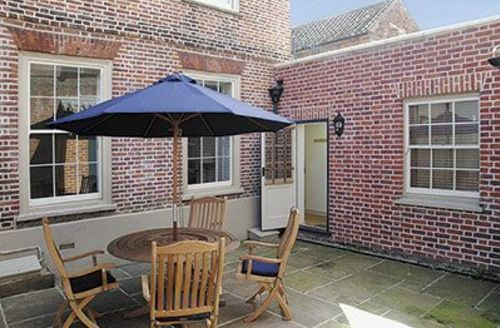 Snaptrip - Last minute cottages - Delightful Wells Next The Sea Apartment S17650 -
