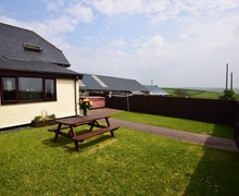 Snaptrip - Last minute cottages - Stunning Barnstaple Barn S8628 -