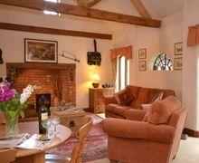 Snaptrip - Last minute cottages - Tasteful Evesham Cottage S7099 -