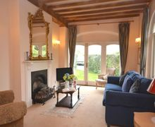 Snaptrip - Last minute cottages - Beautiful Evesham Cottage S7098 -