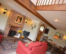 Snaptrip - Last minute cottages - Inviting Evesham Cottage S7101 -