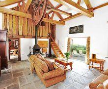 Snaptrip - Last minute cottages - Quaint Llanwrda Cottage S7111 -