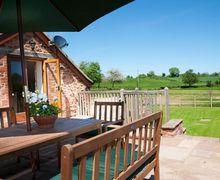 Snaptrip - Last minute cottages - Adorable Wellington Barn S8550 -