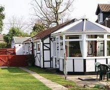 Snaptrip - Last minute cottages - Superb Wroxham Cottage S17712 -