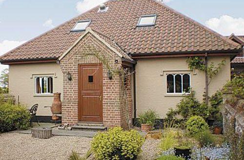 Snaptrip - Last minute cottages - Tasteful Wroxham Cottage S17735 -