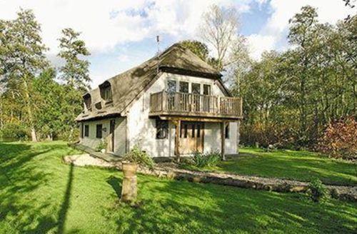 Snaptrip - Last minute cottages - Superb Wroxham Cottage S17737 -