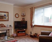 Snaptrip - Last minute cottages - Gorgeous Skelmorlie Apartment S79265 -