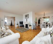 Snaptrip - Last minute cottages - Delightful Abersoch Cottage S79286 - TREMYB - Living Room View 1