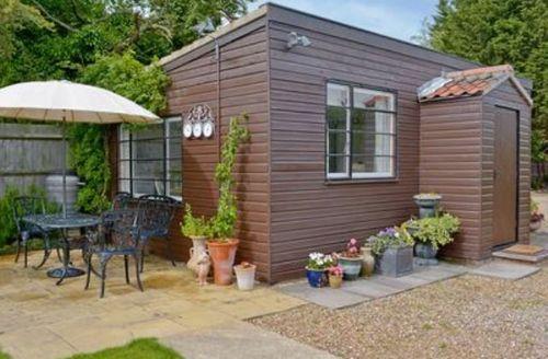 Snaptrip - Last minute cottages - Tasteful Wroxham Cottage S17751 -