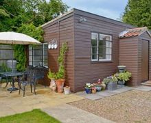 Snaptrip - Last minute cottages - Tasteful Wroxham Cottage S17751 -