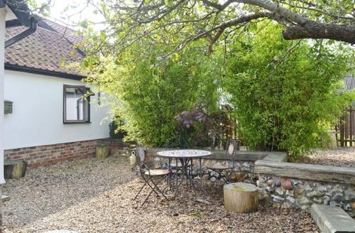 Snaptrip - Last minute cottages - Splendid Diss Cottage S17763 -