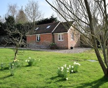 Snaptrip - Last minute cottages - Inviting Tenterden Cottage S79420 -
