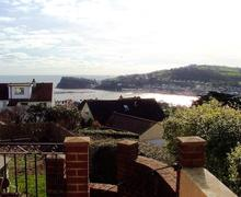Snaptrip - Last minute cottages - Adorable Teignmouth Apartment S79489 - Hilbre Teignmouth - Views to The Ness at Shaldon