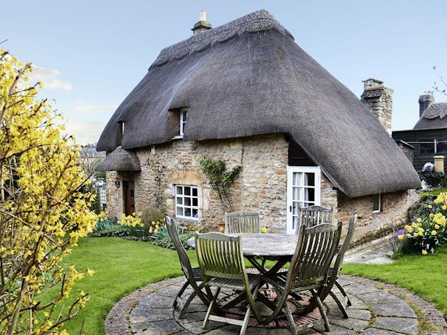 Adorable chipping campden cottage s79543 hoo cottage for Country cottage kennel