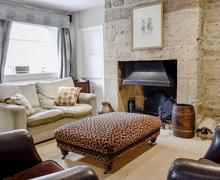 Snaptrip - Last minute cottages - Stunning Chipping Campden Cottage S79544 -