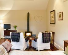 Snaptrip - Last minute cottages - Captivating Biggar Cottage S79548 -