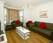 Snaptrip - Last minute cottages - Stunning Penmaenmawr Apartment S79557 - chousechurchhouselounge16
