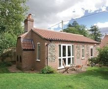 Snaptrip - Last minute cottages - Cosy Thetford Cottage S17791 -