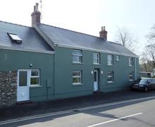 Snaptrip - Last minute cottages - Beautiful Pembroke Lodge S79595 - Nash Lodge 001