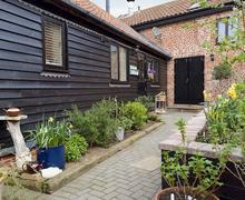 Snaptrip - Last minute cottages - Superb Eye Cottage S79711 -