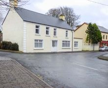Snaptrip - Last minute cottages - Beautiful Boyle Cottage S79803 -