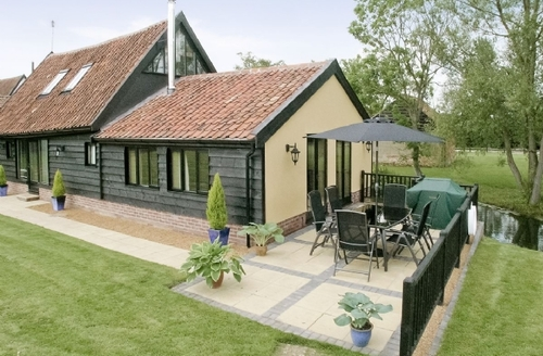 Snaptrip - Last minute cottages - Beautiful Beccles Cottage S17829 -