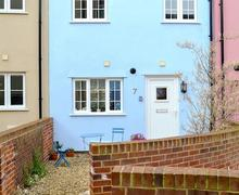 Snaptrip - Last minute cottages - Inviting Cromer Cottage S79843 -