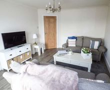 Snaptrip - Last minute cottages - Quaint Blackpool Cottage S79887 -