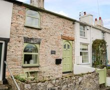 Snaptrip - Last minute cottages - Attractive Glanwydden Cottage S79927 -