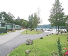 Snaptrip - Last minute cottages - Lovely Bowness On Windermere Lodge S79944 - The park setting<br />